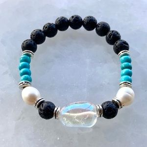 Clear aura crystal turquoise & pearls bracelet